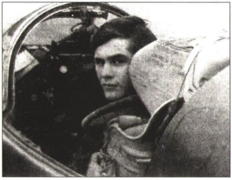 К. Павлюков в кабине самолета